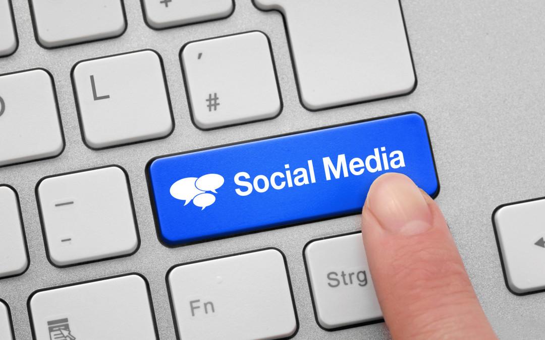 ¿Qué elementos influencian las decisiones de compra en el universo Social Media?