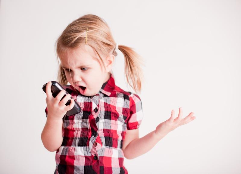 10 razones por las que los dispositivos portátiles deberían estar prohibidos para niños menores de 12